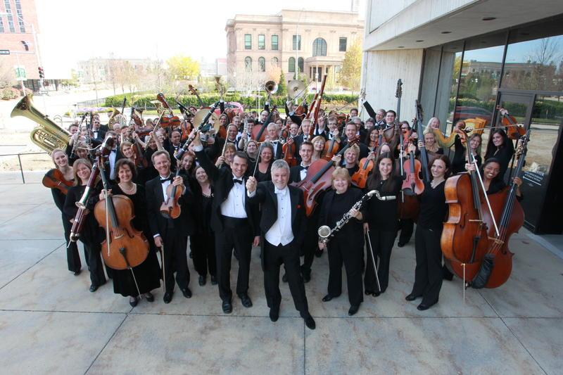 Maestro Joseph Giunta and the Des Moines Symphony Orchestra.