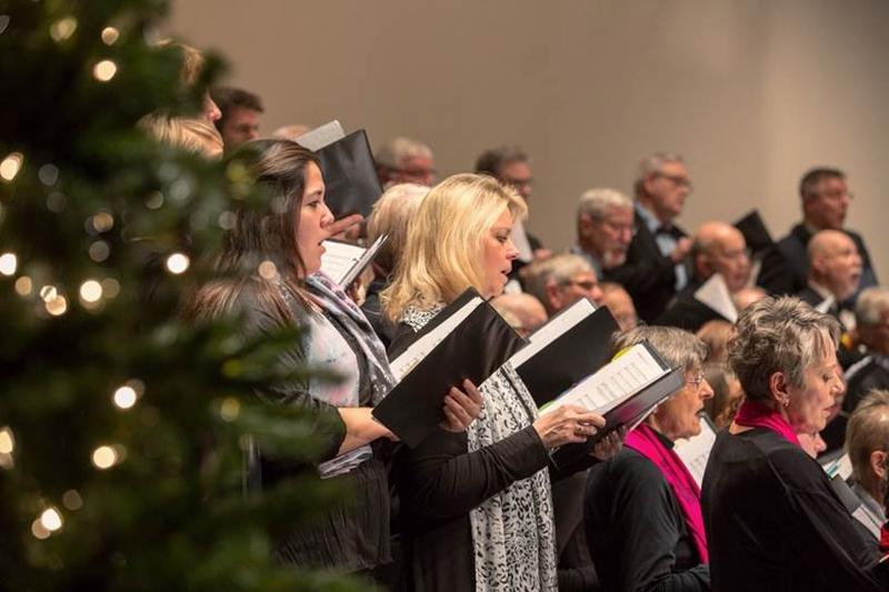 "Members of the Metropolitan Chorale sing selections from Handel's ""Messiah"""