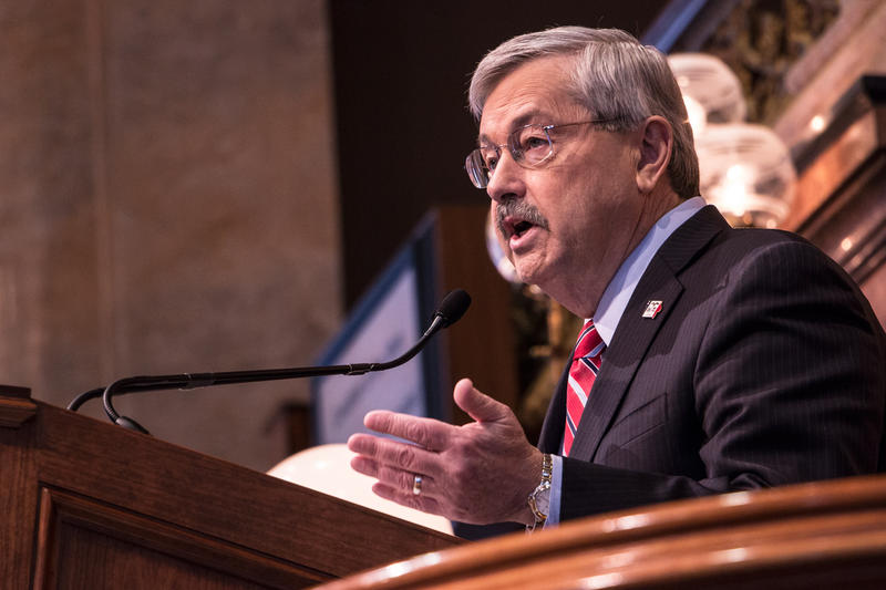 Governor Terry Branstad delivering the 2015 Condition of the State Address to a joint session of the Iowa legislature