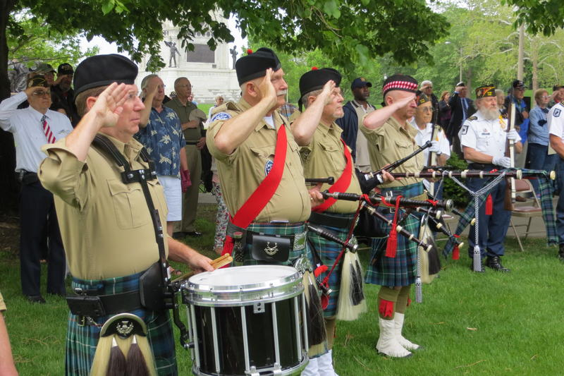 MacKenzie Highlanders Pipes and Drums