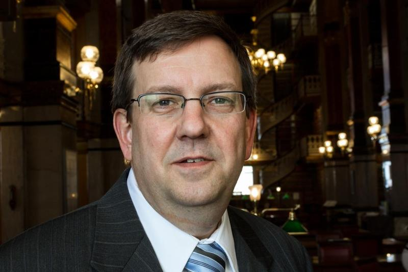 Iowa House Speaker Kraig Paulsen is resigning from his leadership position at the end of the year.