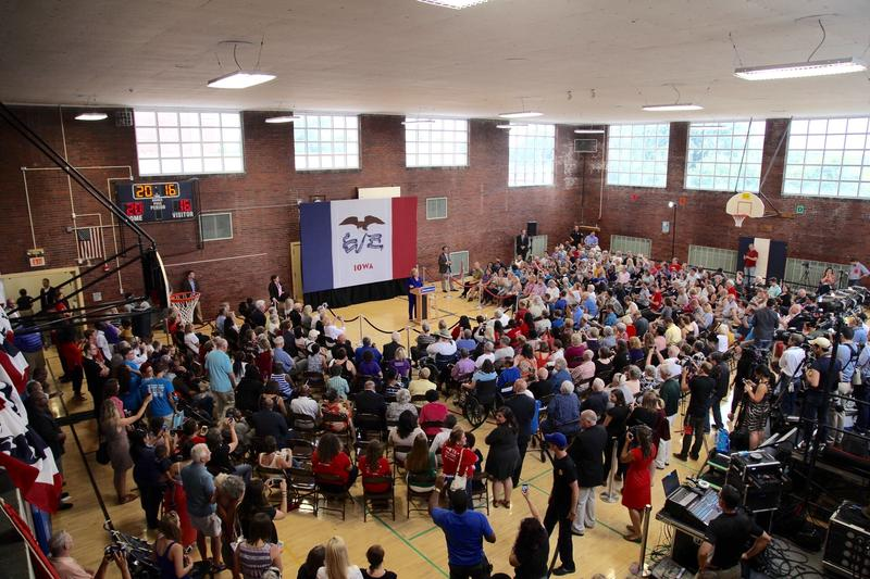 Hillary Clinton campaigned at Moulton Elementary School in Des Moines.