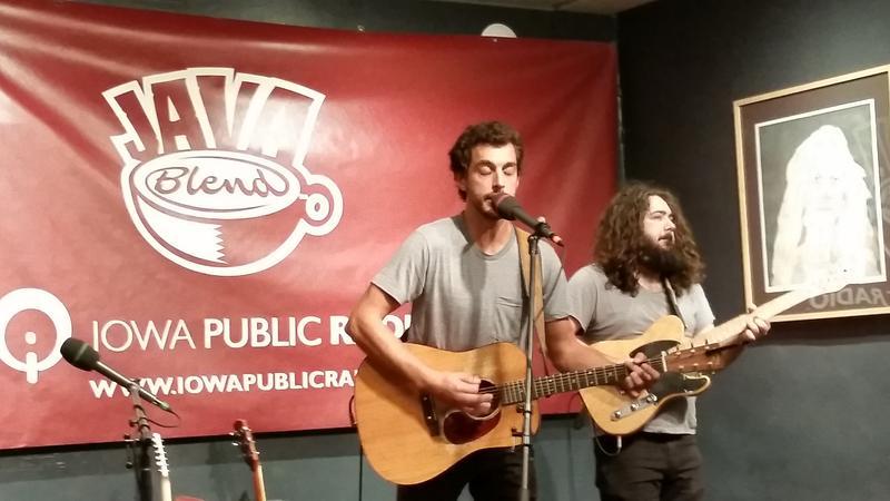 Dan Tedesco with sideman Dylan Boyle