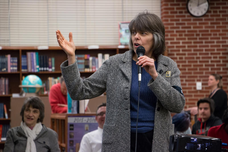 Mary Beth Tinker speaks to Roosevelt High School students about being an activist in 1965 and encourages them to share what kind of changes they wish to advocate for in 2015.