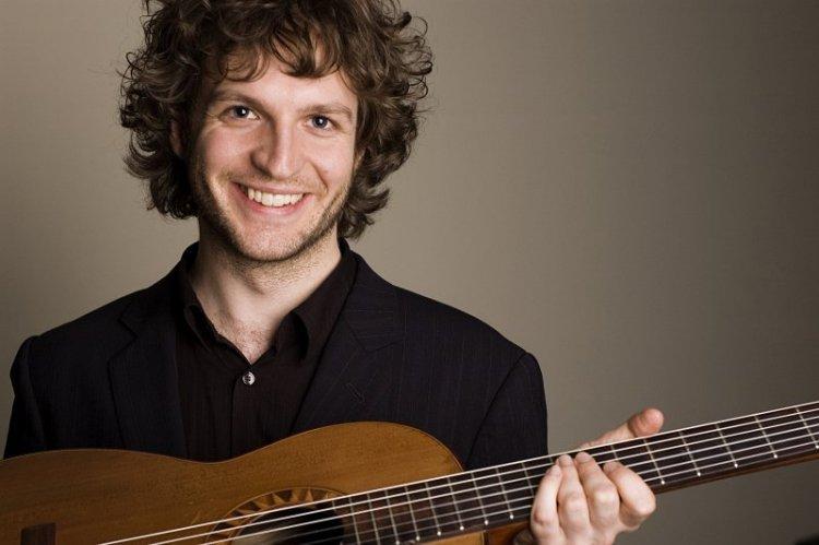 Guitarist Rupert Boyd