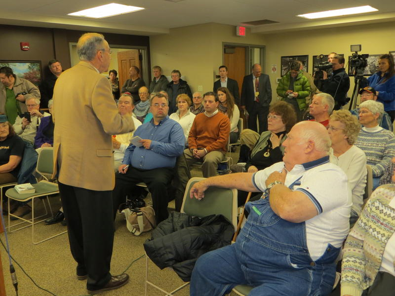 Sen. Grassley speaks at the Marengo Public Library Tuesday.