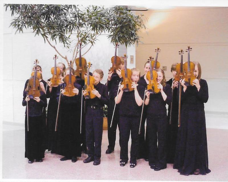 UNI Suzuki students pose for a funny photo