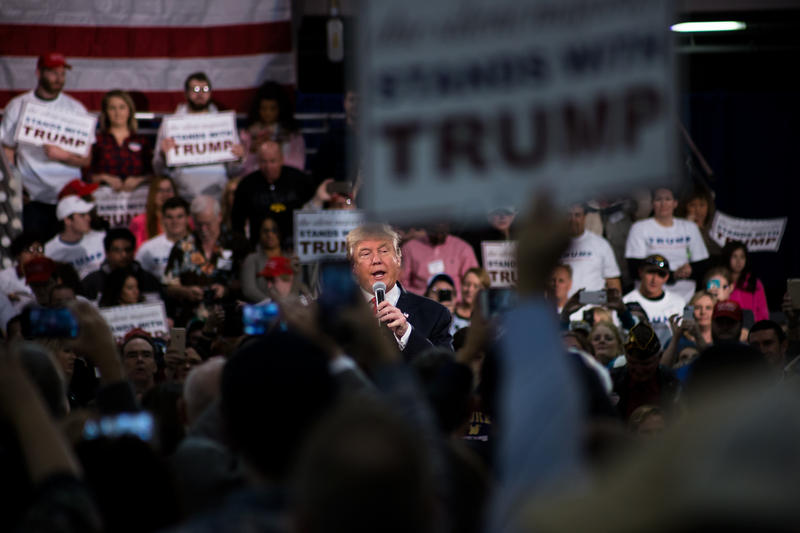 Donald Trump campaigns as a Republican presidential candidate in Des ...