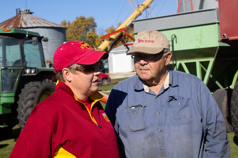ISU Extension agronomist Angie Rieck-Hinz talks with Wright County farmer Edwin Johnson during the fall harvest.