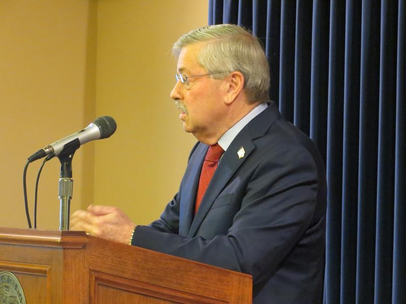 Gov. Terry Branstad at statehouse news  conference