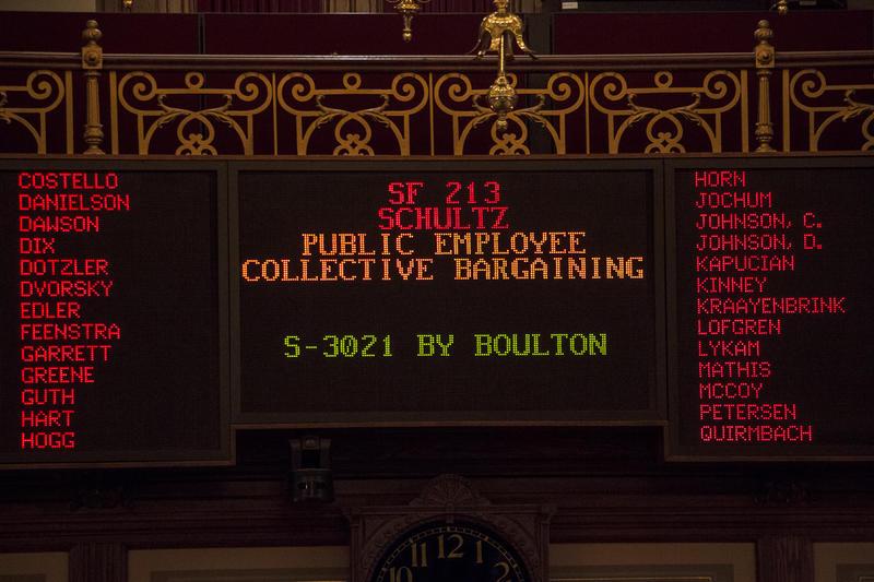 The Iowa Senate electronic voting board for Senate File 213 with amendment 3021