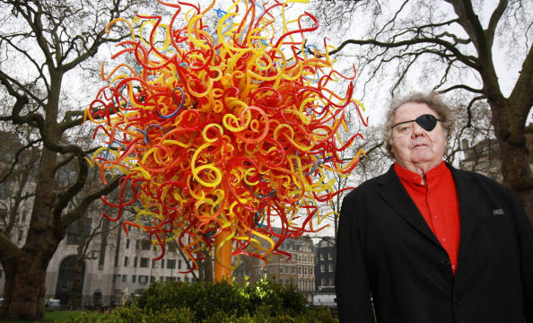 "Dale Chihuly with his glass sculpture ""Sun"" in London, England"