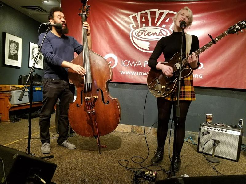 Elizabeth Moen, joined by bassist Blake Shaw (left), gives it all she's got at The Java House
