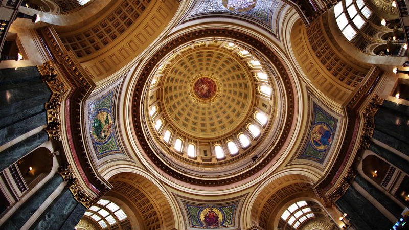 The dome of the Wisconsin State Capitol