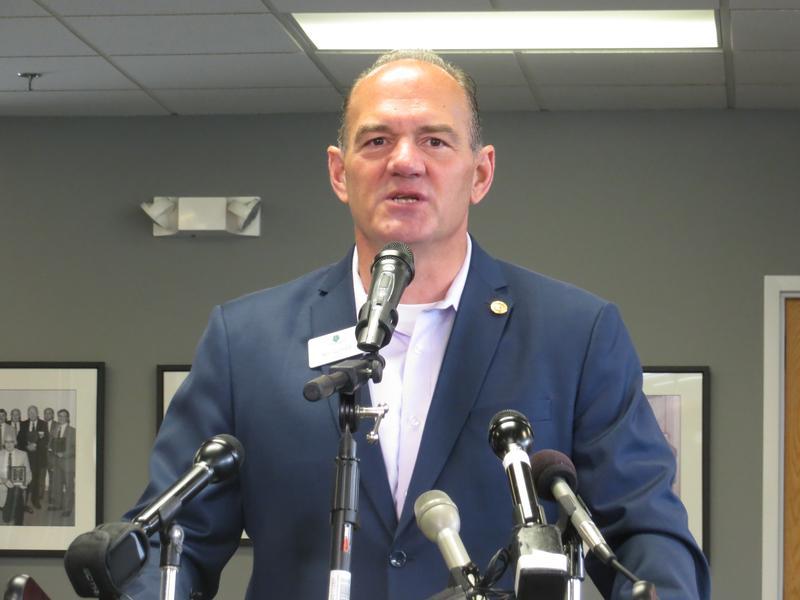 Cedar Rapids Mayor, GOP gubernatorial candidate Ron Corbett