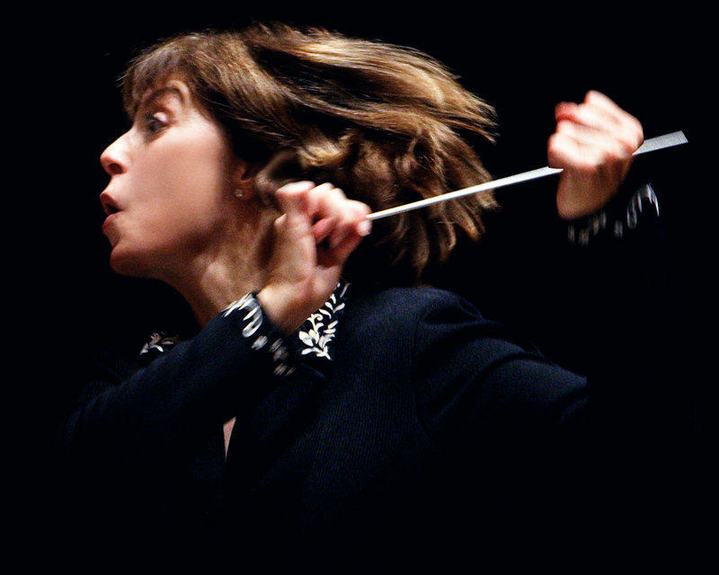 Dynamic conductor JoAnn Falletta