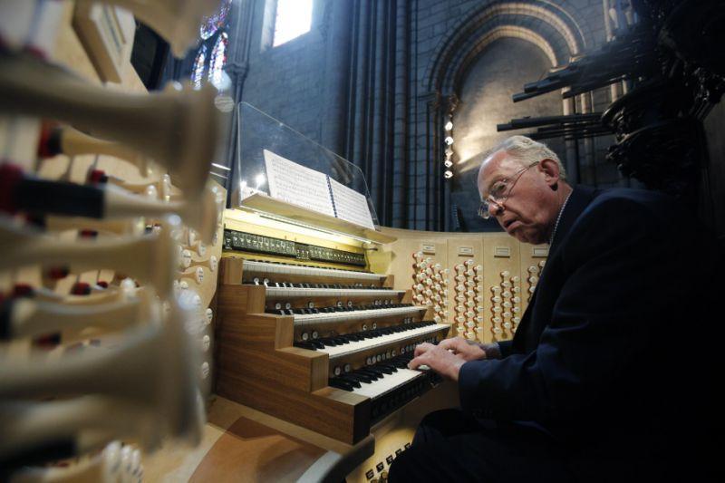 LA Phil organist Philippe Lefebvre