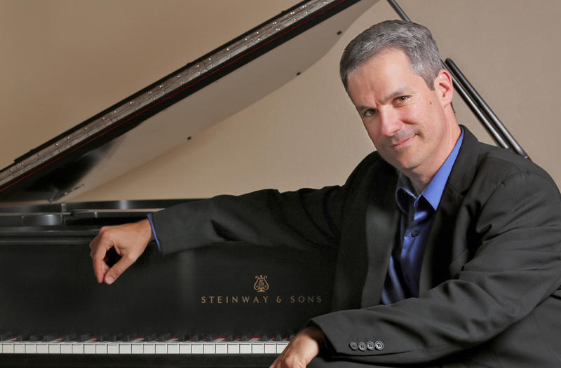 Pianist Robert Edward Thies