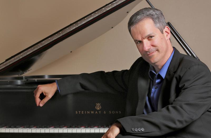 Pianist Robert Edward Thies