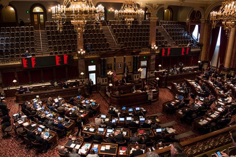 Lawmakers convene in the Iowa Senate, January 8, 2018