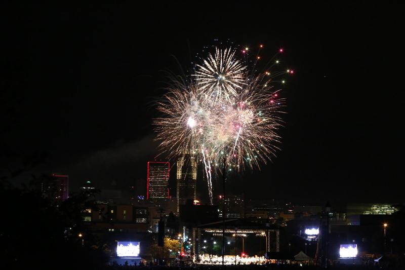 Fireworks over Yankee Doodle Pops