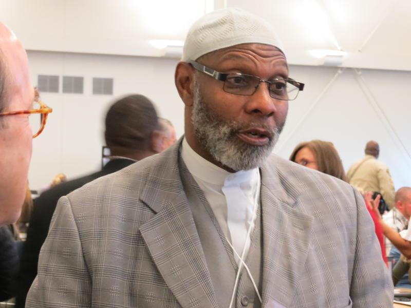 Rep. Ako Abdul-Samad (D-Des Moines)