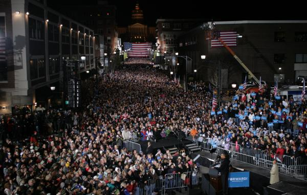 20,000 people lined Locust street on Des Moines Monday night to hear President Obama's final speech in his campaign.
