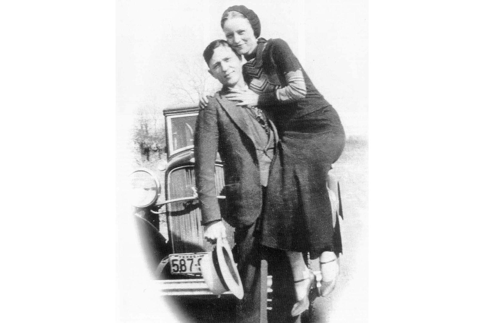 1933  prohibition ends  bonnie and clyde visit iowa