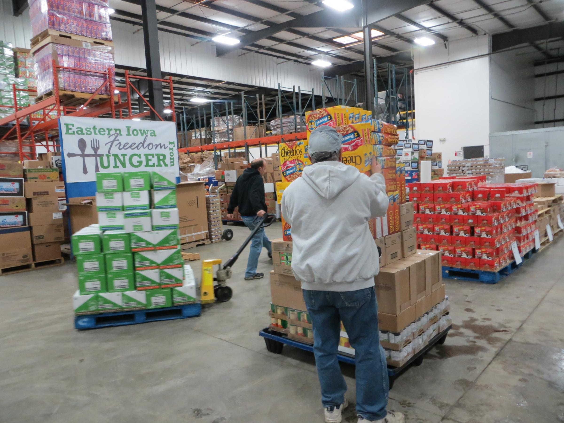 As holidays approach, Iowa food pantries see increased demand ...