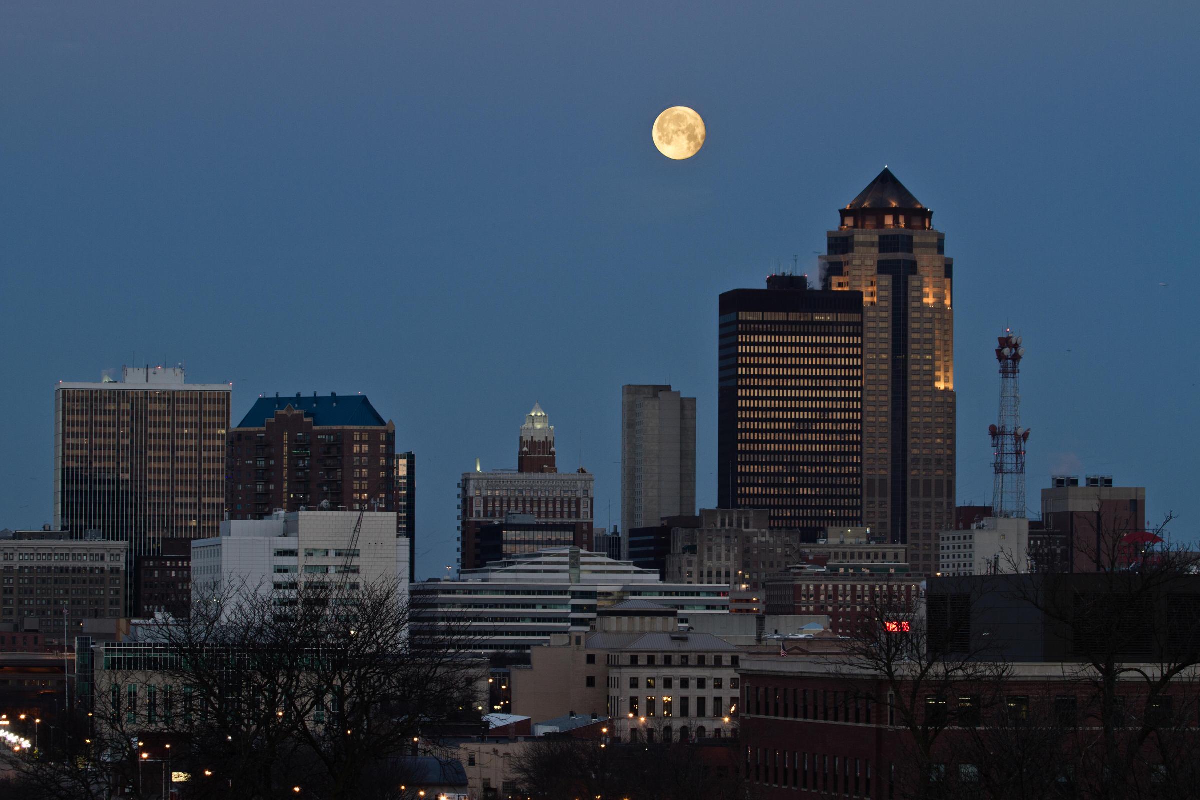 Des Moines Skyline 2015