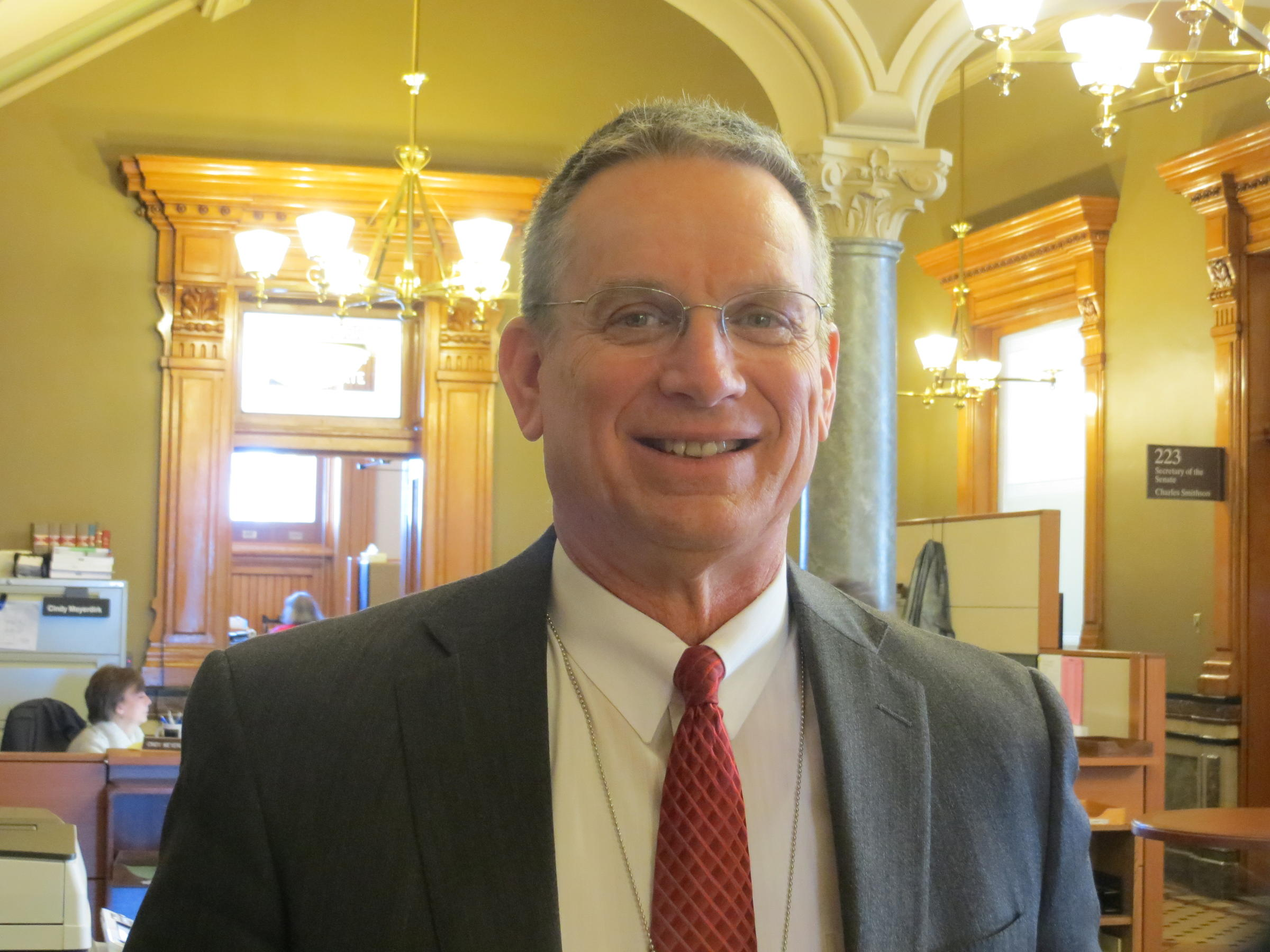 Whitver replaces Dix as Iowa Senate Republican Majority Leader