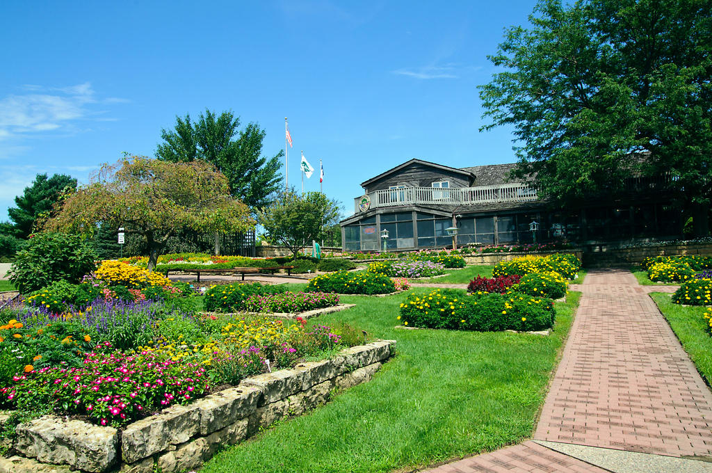 Public Gardens are Gems in Plain Sight | Iowa Public Radio