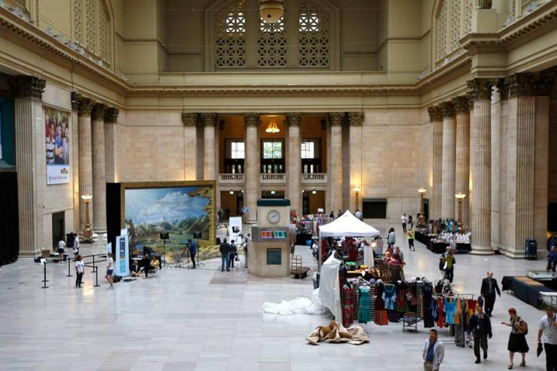 Kurt Wenner's recreation of the Colorado River in Chicago's Union Station.