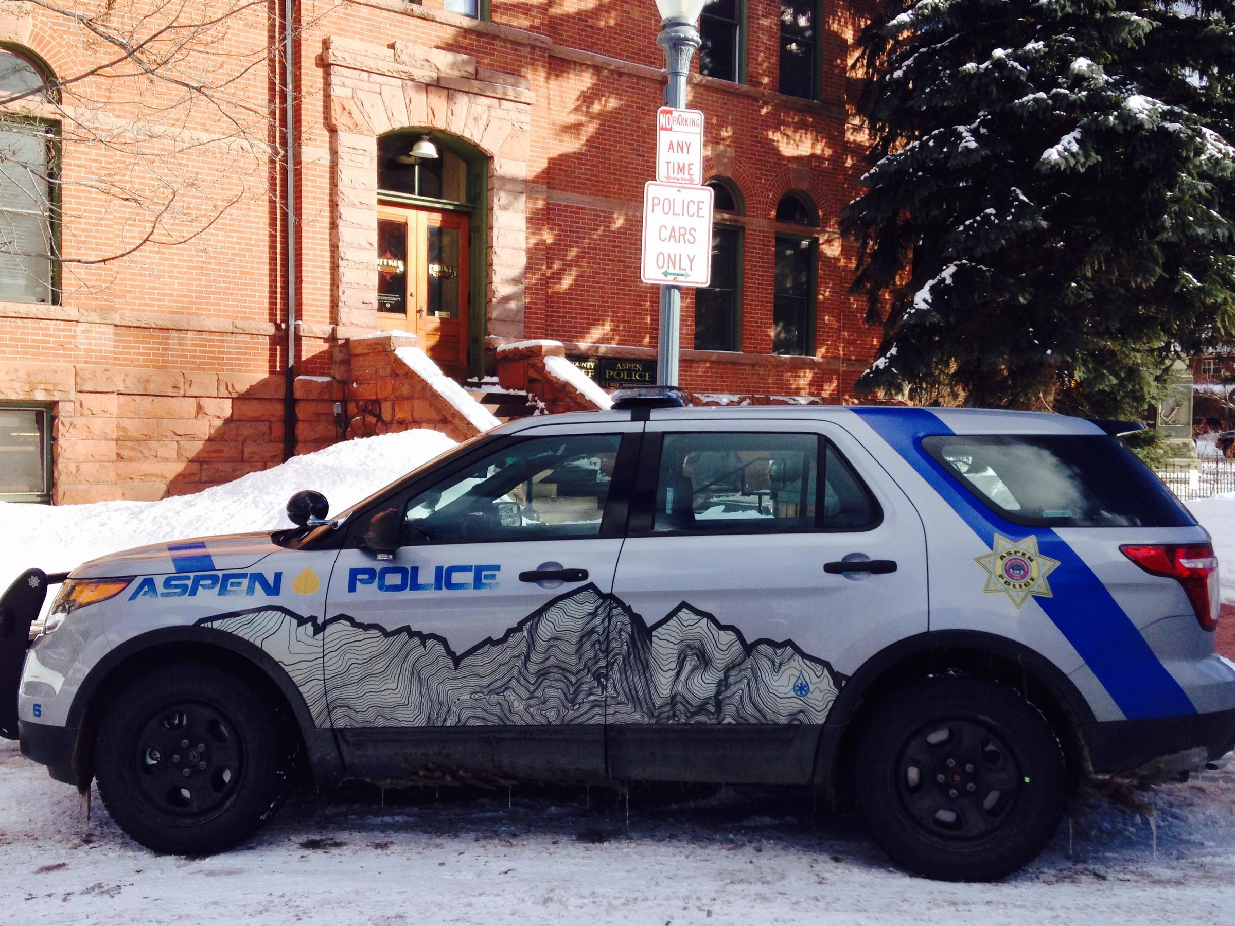 idling cop cars run against aspen s air quality law aspen public radio