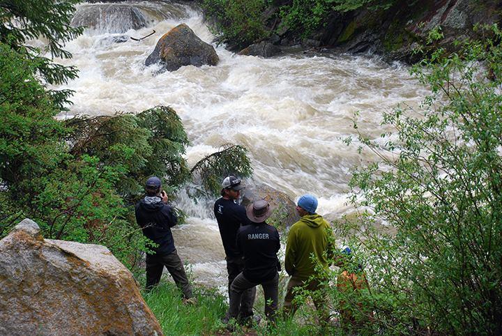 Heavy rain boosts Roaring Fork River in Aspen to flood ...