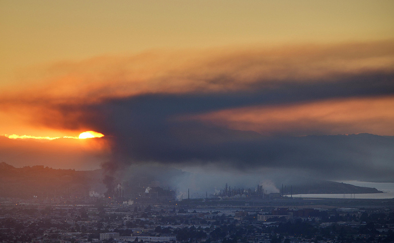 Large fire at Chevron's Richmond refinery. August 6 2012. From the Berkeley hills.