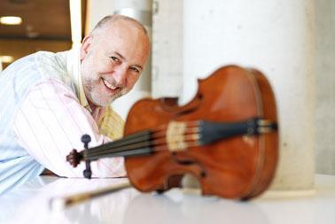 Violinist John Holloway