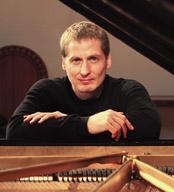 pianist Daniel Glover
