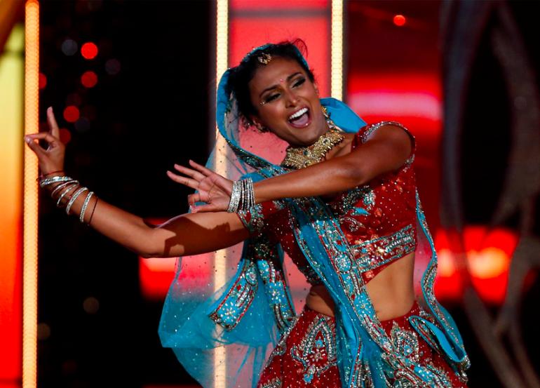 Nina Davuluri performing