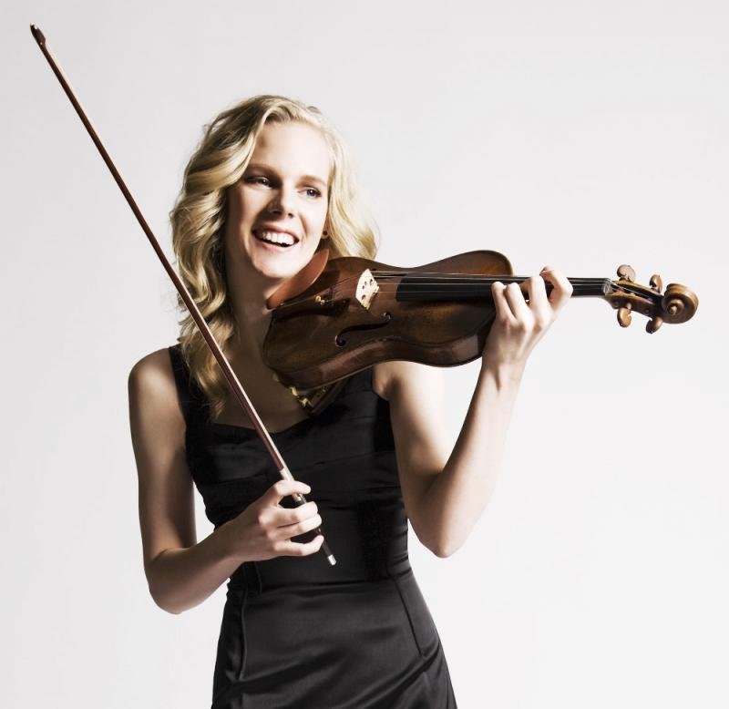 Violinist Simone Lamsma