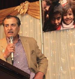 Dr. Hesham R. Alalusi speaks about the Iraq Orphans Project at a fund-raising dinner in California.