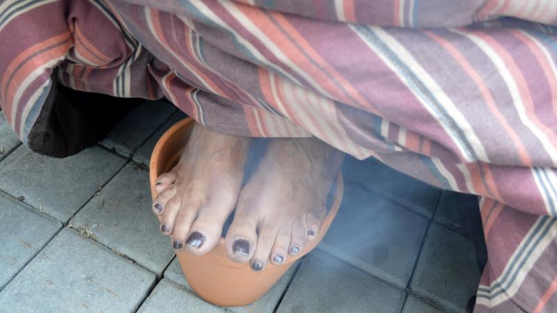 Yasmeen Imam's feet before dukhan