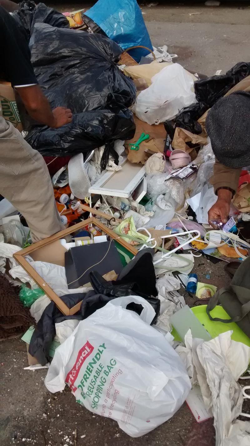 Dumped stuffs in Fruitvale
