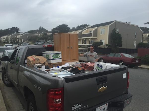 Jeff Bowman moves out of his apartment at 310 Esplanade in Pacifica. The building was evacuated after coastal erosion caused it to teeter dangerously over a cliff.