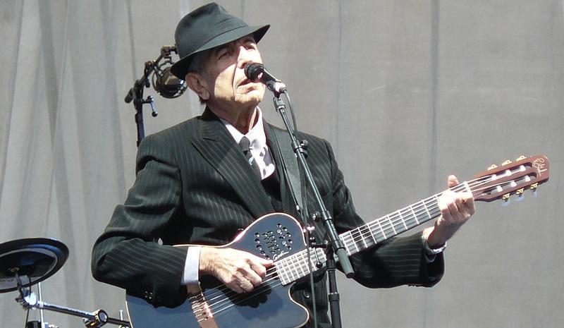 Leonard Cohen on stage at Edinburgh Castle, Scotland 16 July 2008 by flickr user Jon Lean (CC BY-SA 2.0)