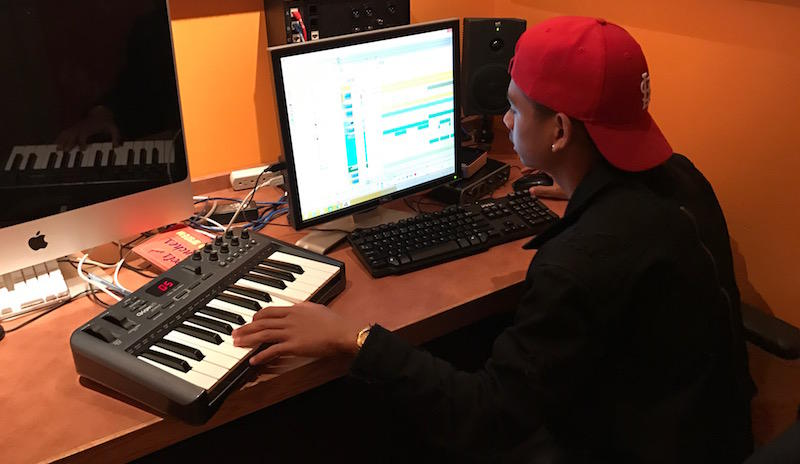 Noah Holt making a beat