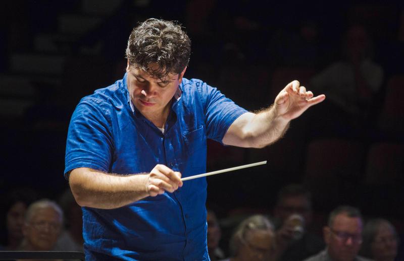 Music Director Cristi Măcelaru