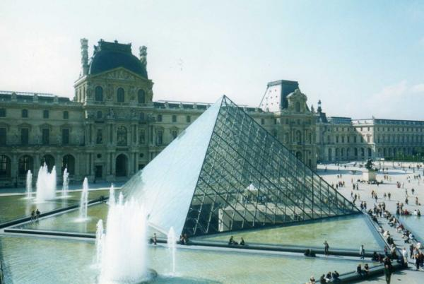 1793 - The Louvre (highlighted story below)
