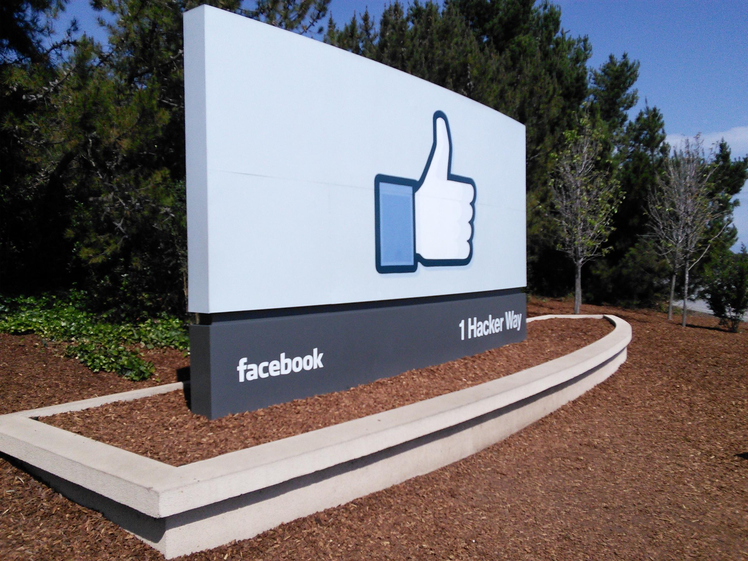 facebook office palo alto. Facebook\u0027s Sign Greets Visitors At The Original Menlo Park Campus Facebook Office Palo Alto