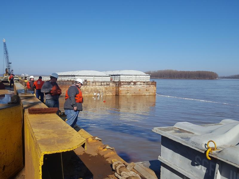 Coast Guard Sector Lower Mississippi River and local agencies are responding to a sunken vessel discharging oil near mile marker 823 on the lower Mississippi River near Blytheville, Arkansas, January 24, 2017. Sector Lower Mississippi River watchstanders